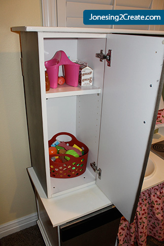 play-kitchen-fridge