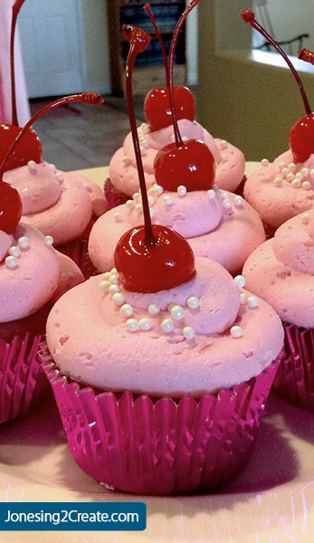 pinkalicious-cupcake