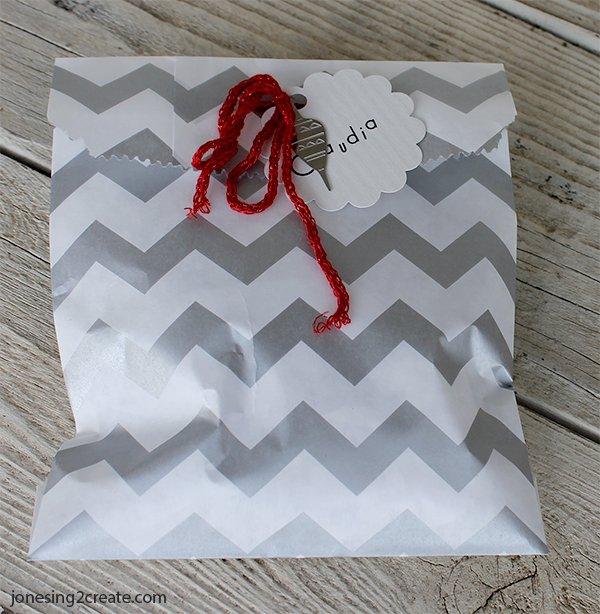 easy-christmas-wrapping-13