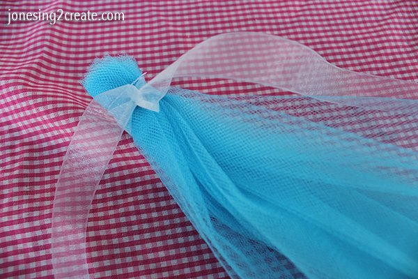 elsa-cape-tutorial-bow
