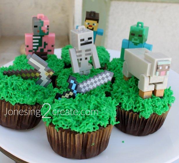 minecraft-cupcake-topper