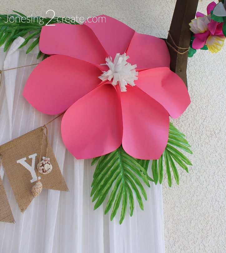 How to Make a Luau Paper Flower