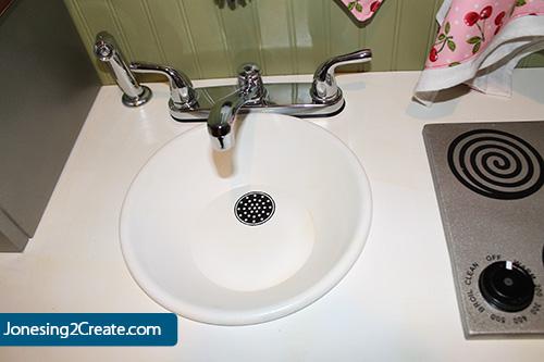 play-kitchen-sink