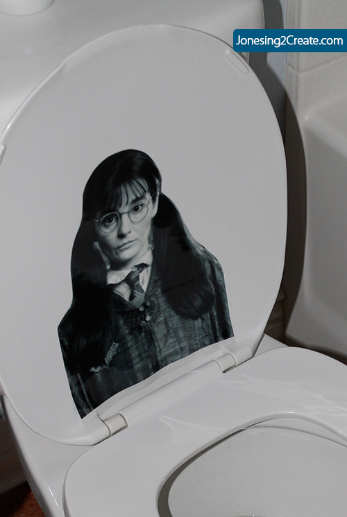 moaning-myrtle-in-toilet