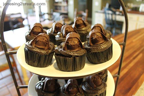 darth-vader-cupcakes